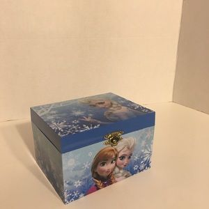 Frozen Themed Musical Jewelry Box!